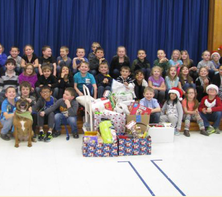 MT. MARKHAM 2nd GRADE CONTINUES CHRISTMAS TRADITION