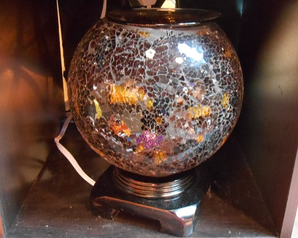 An absolutely gorgeous glass Oil warmer,  Tart burner, black gold, #843