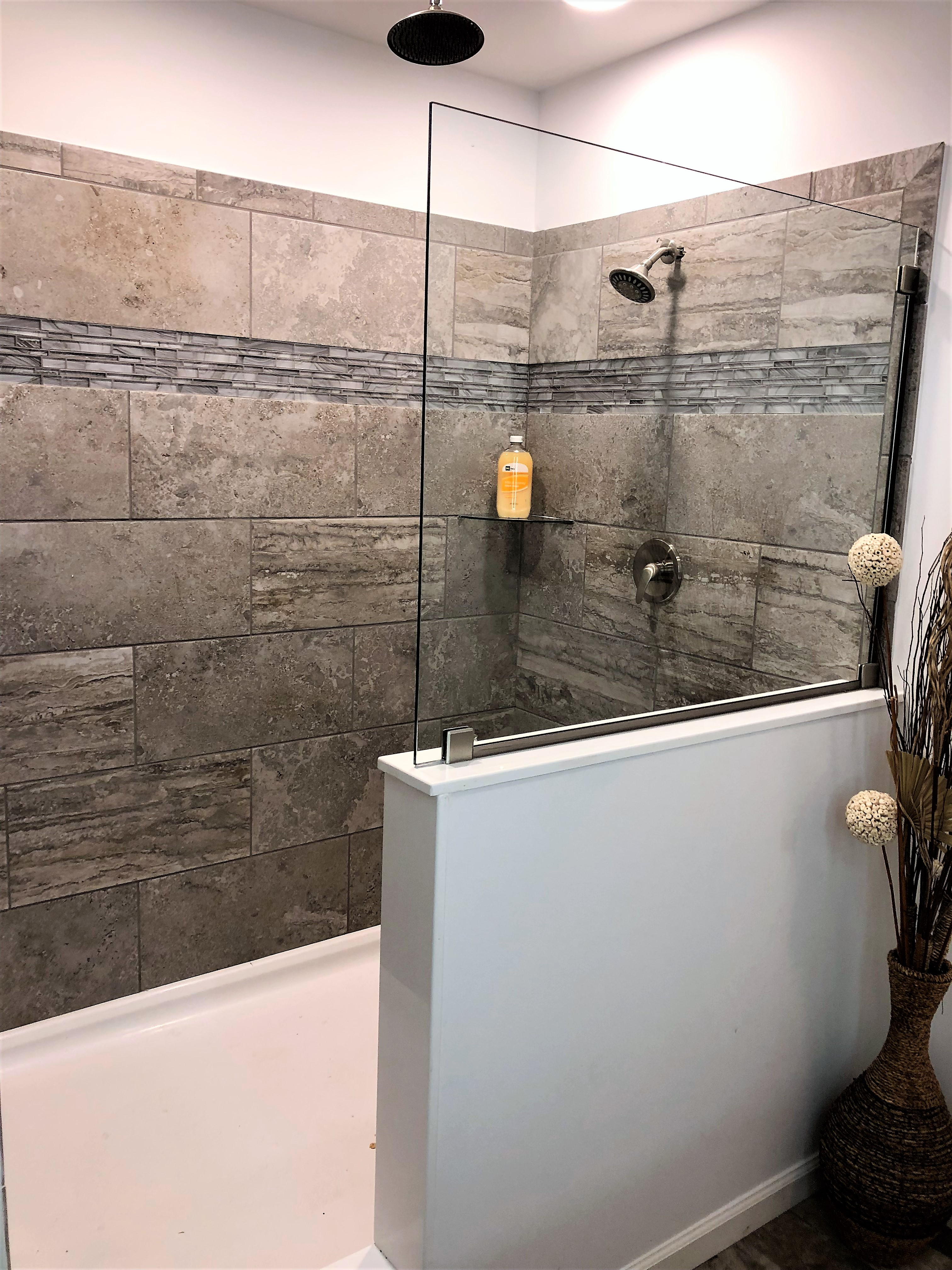 6' Ceramic Tile Shower With Rainfall Shower Head