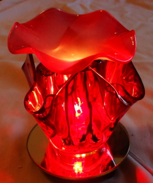 Oil warmer, Electric tart burner, red ,blown glass, tulip style 703r