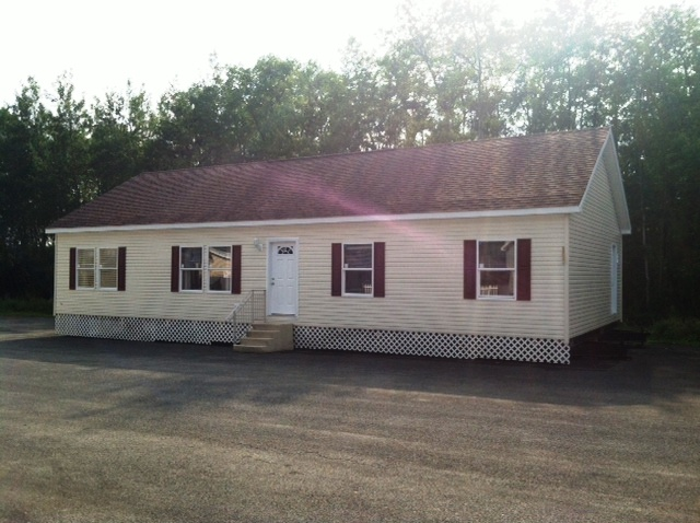 Summerville,  SAVE OVER $10,000.00 on the Display Home! (SALE PENDING)