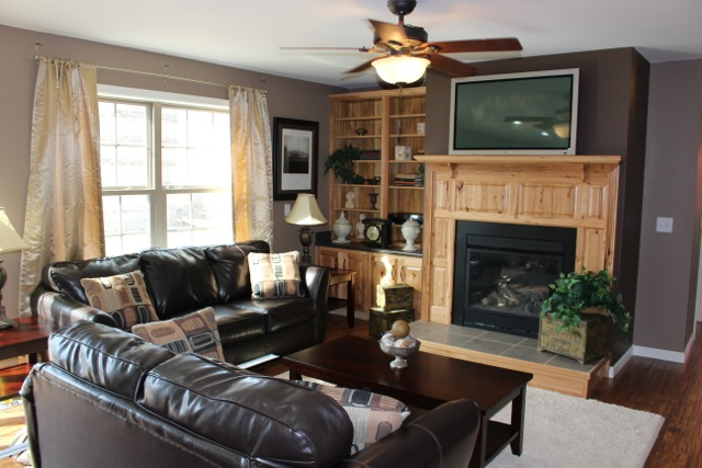 Open spacious family room.