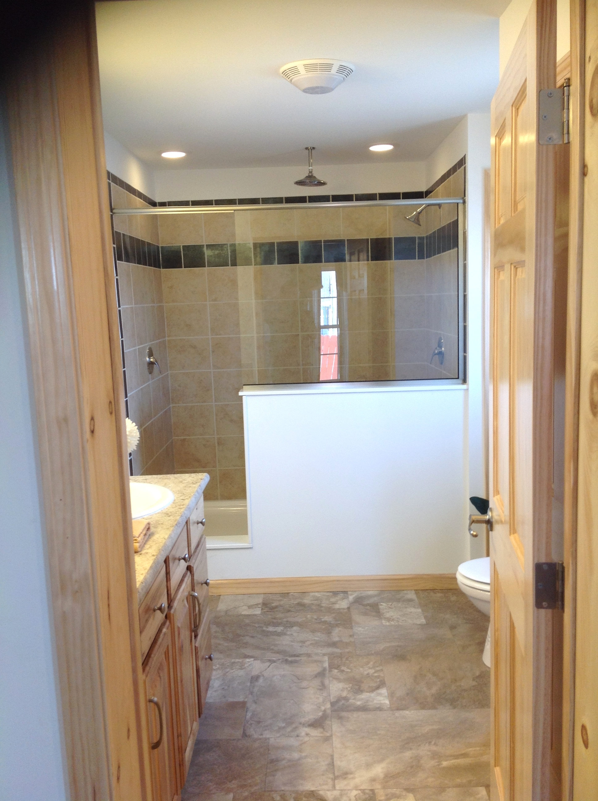 Master bath with 4 x 6' walk-in shower.