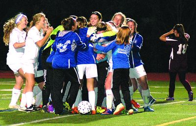 SCS girls win Sectionals; headed to states