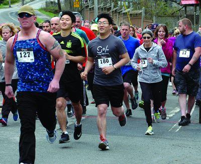 Hundreds Run 4 Hills in Sharon Springs fun