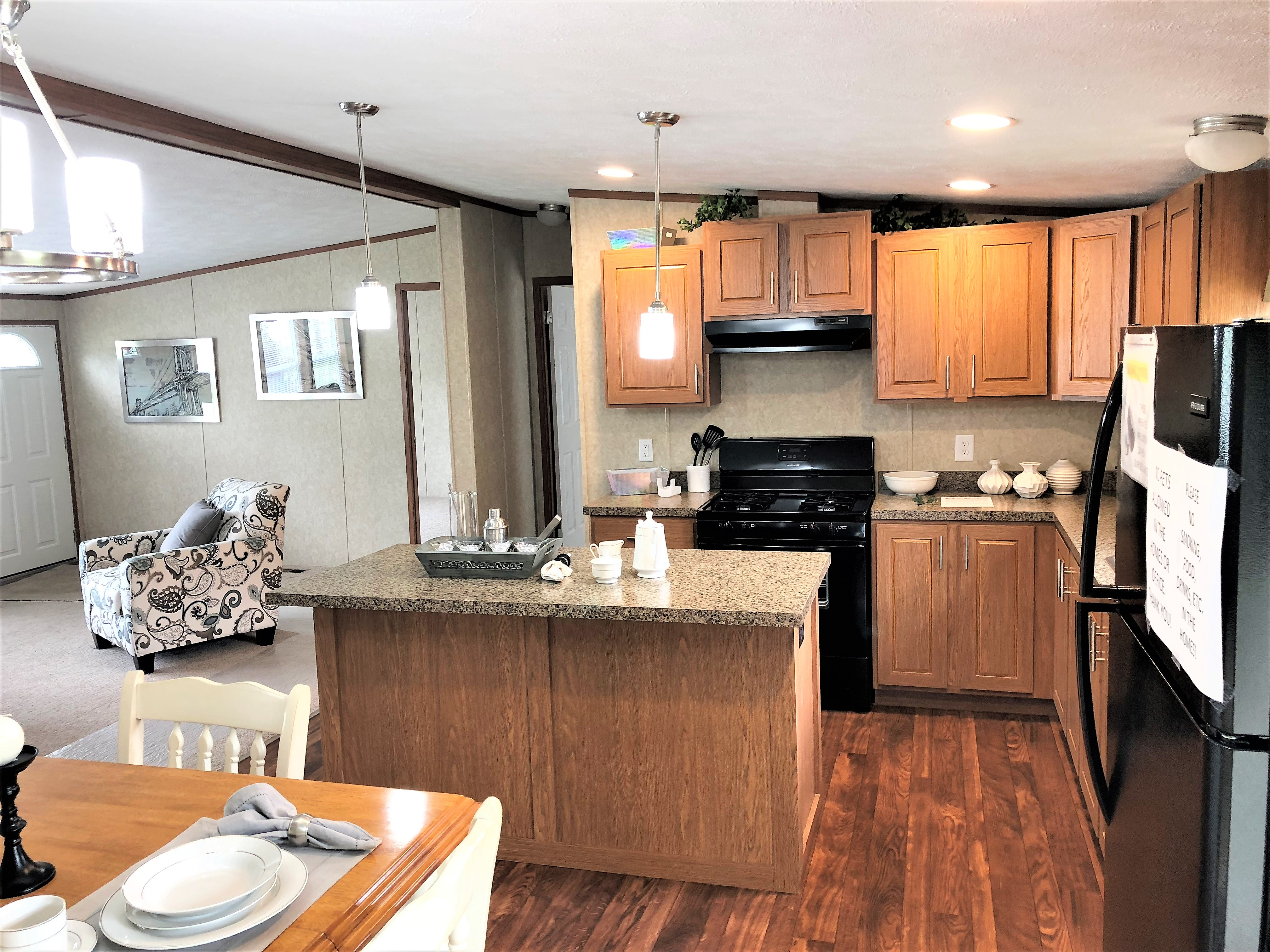 Very Large Kitchen and Nook