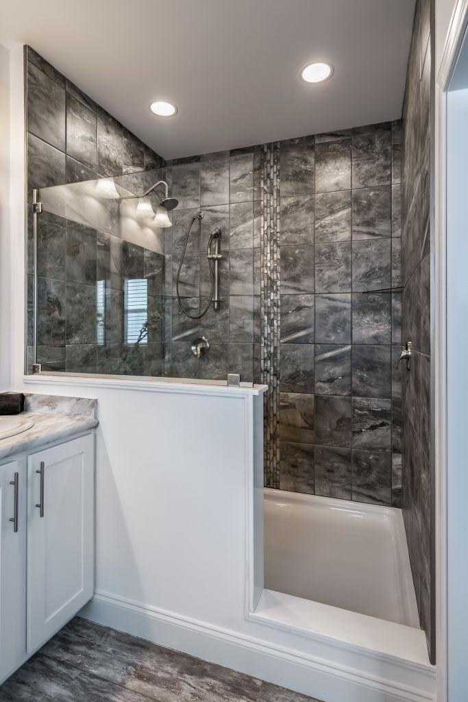 Master Bath  4x6 Walk In Shower