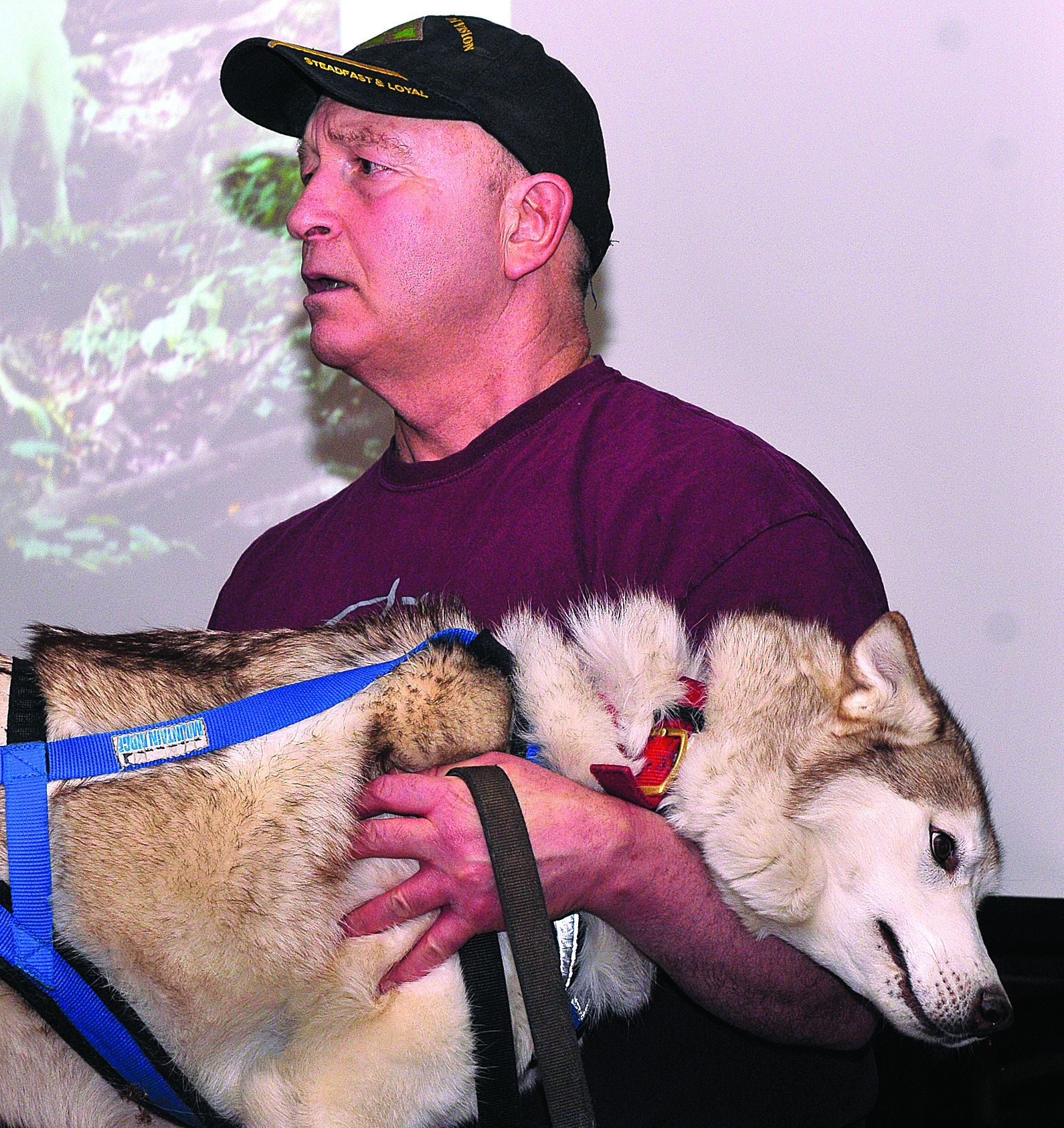 Musher traces sled dog history at Fort