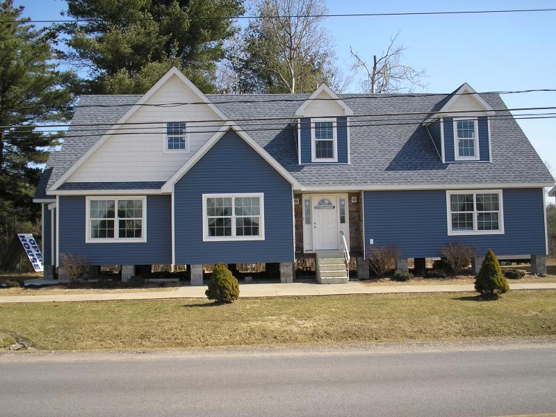 View Online Only Manorwood NH905