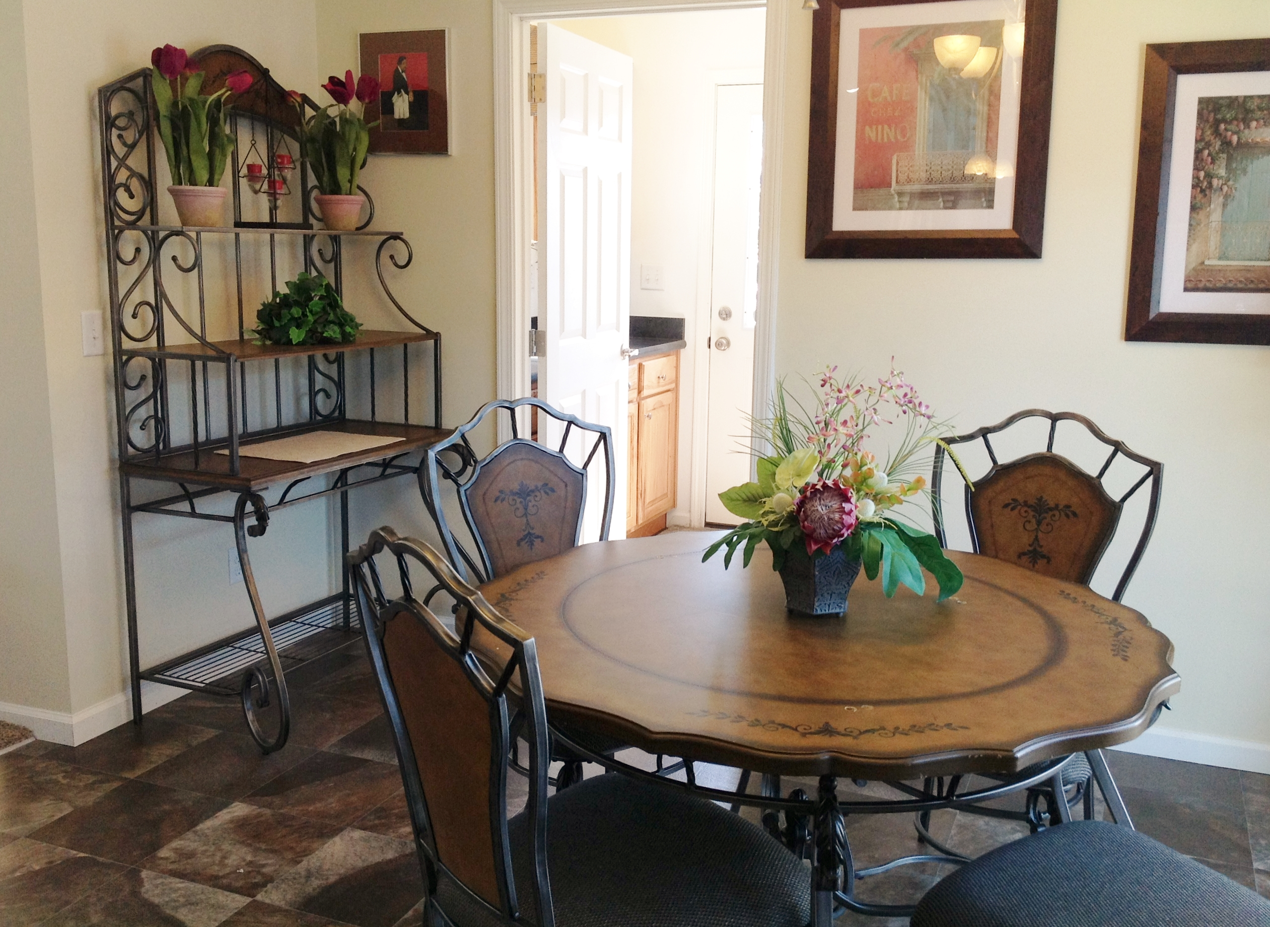 Nook or Dining Area