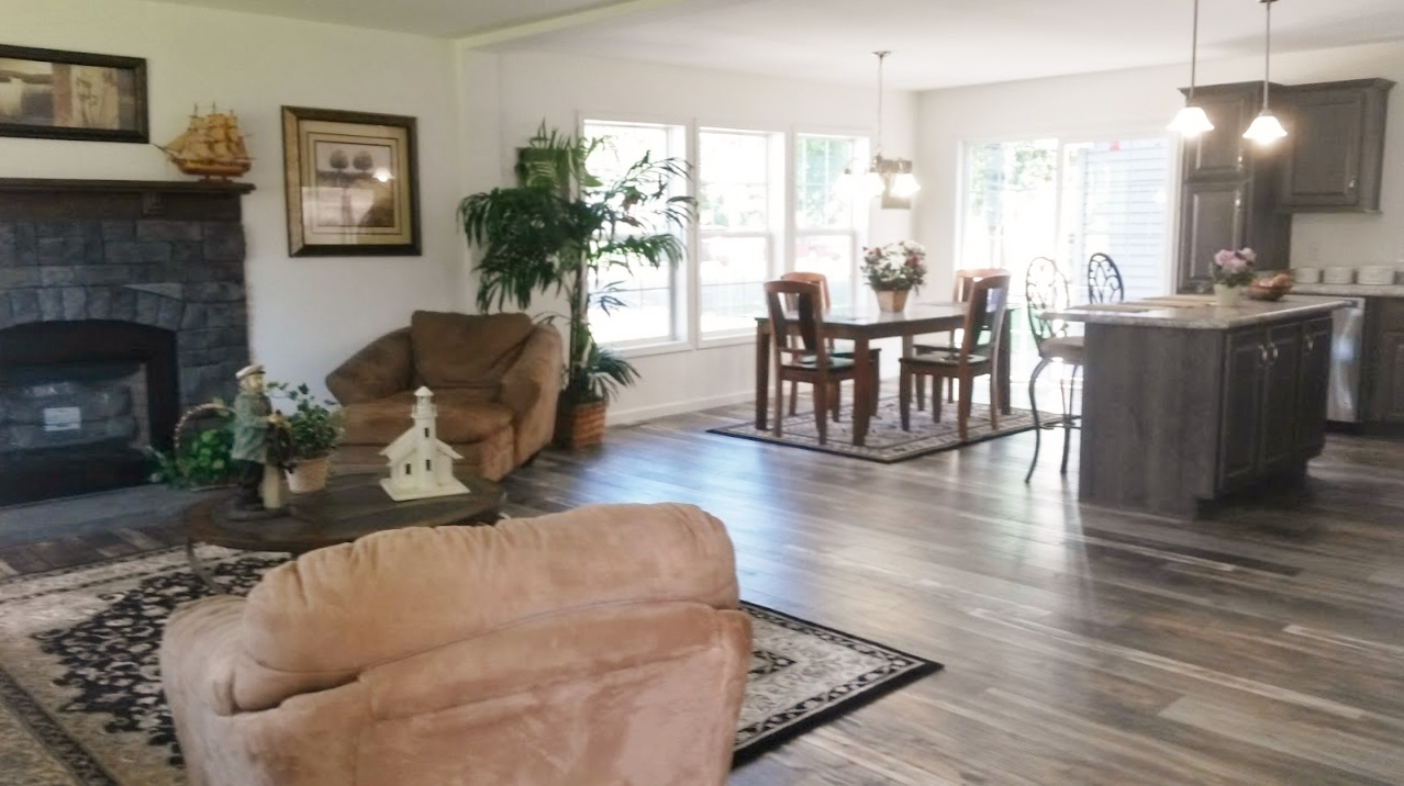 One more look into the living area